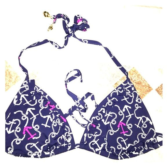 Lilly Pulitzer triangle anchor bikini top Lilly Pulitzer triangle anchor bikini top. Size medium. Never worn before. Brand new without tags. Padded cups. Ruffle edge. Lilly Pulitzer Swim Bikinis