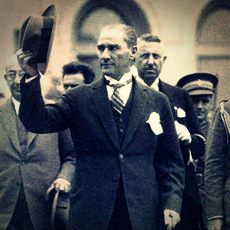Tarih ilerisini göremeyenler için acımasızdır... Atatürk