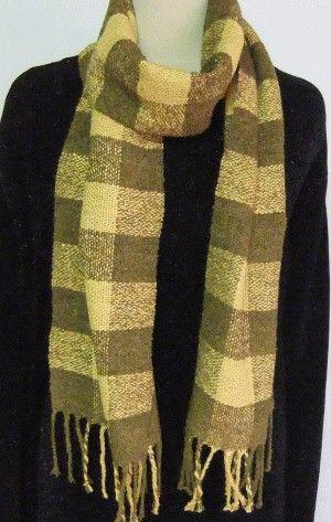 サイズ:24x181cm〔フリンジ込)染 料:マリーゴールド・キンケイ菊マリーゴールドとキンケイ菊で格子に織り、モダンに仕上げました。マリーゴールドには害虫予...|ハンドメイド、手作り、手仕事品の通販・販売・購入ならCreema。