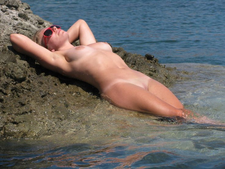 hot young american milfs nude
