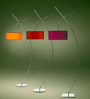 Design metal floor lamp  MODELO T
