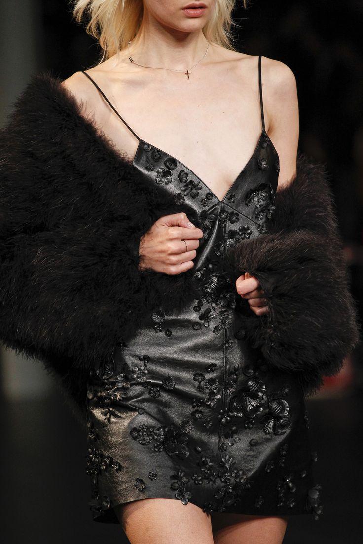 Saint Laurent Spring 2016 Ready-to-Wear Fashion Show Details