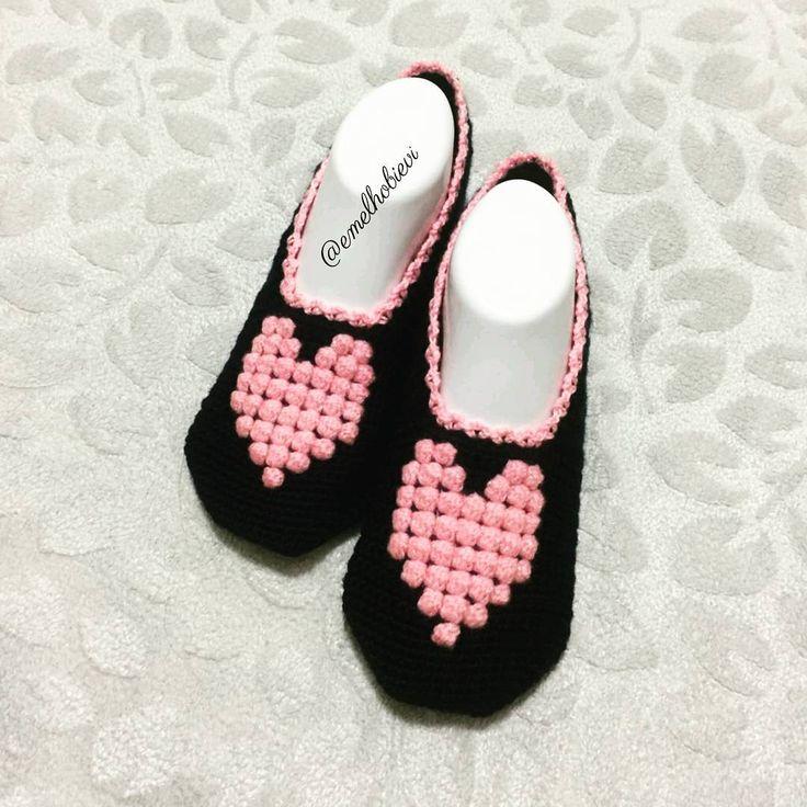 Emel Hobi Evi pembiş pembiş iyi akşamlar diler 😎😄 . #patik #slippers #womenslippers #pinetki #evayakkabisi #evbabeti #babetpatik #knitting #crochetslippers #handmade #pembe #pembeseverler #evimguzelevim #englishhome #madamecoco #a101 #bim #sivas #ikea #ceyizhazirligi #gelinlik #sunum #nako #orgu #örgü #sunumonemlidir #instacrochet #crochetlove  #lif #ceyizlik