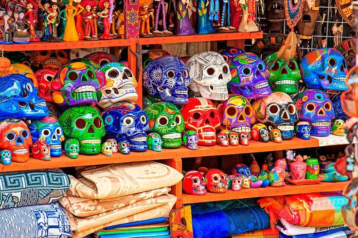 Los amantes de las #Compras también tienen su lugar en #PlayaDelCarmen. Descubrelo!! Mexico