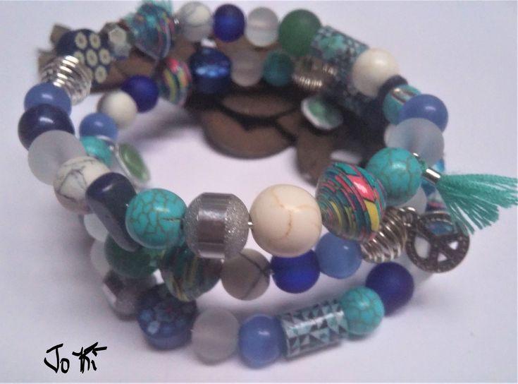 """Voici ce que je viens d'ajouter dans ma boutique #etsy : Bracelet nommé """"POSEIDON"""" en pierre semi-précieuses monté sur de l'aluminium mémoire de forme. http://etsy.me/2D4iWW1 #bijoux #bracelet #bleu #marin #oui #non #femmes #boheme #jaspe"""
