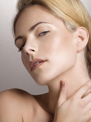 Best Wedding Makeup Highlighter : Gorgeous bridal make-up base for a naturally good skin ...