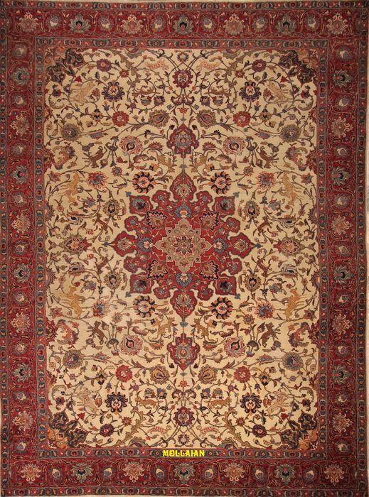 Tabriz Khoi Perzisch - 386 x 290 - Antiek fraai 800 handgeknoopt.  Antiek Tabriz Khoi Perzisch tapijt uit Amerikaanse periode (1880-1905).Antiek Perzisch tapijt met zeldzame kwaliteit kleuren en patronen.Grote maat van 386 x 290 handgemaakt met kostbare wol en rapè in het centrale gebied. Bewerkt en geweven van zacht katoen niet stijf en gemakkelijk te vouwen. In perfecte conditie. Het tapijt is gerestaureerd en gereconstrueerd in de centrale zones zoals te zien op de foto door overmatig…
