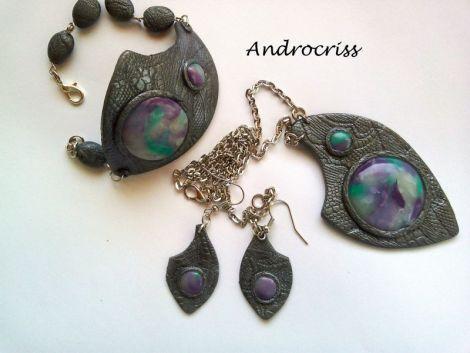 Stones-set bijuterii