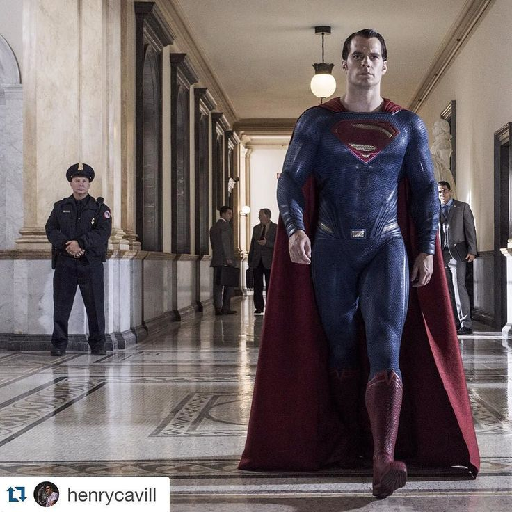 Henry Cavill Shares A NEW Image From #BatmanvSuperman