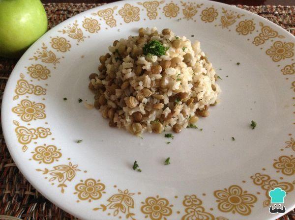 Aprenda a preparar arroz integral com lentilhas com esta excelente e fácil receita. Aprenda com o Tudo Receitas a preparar arroz integral com lentilhas, um...