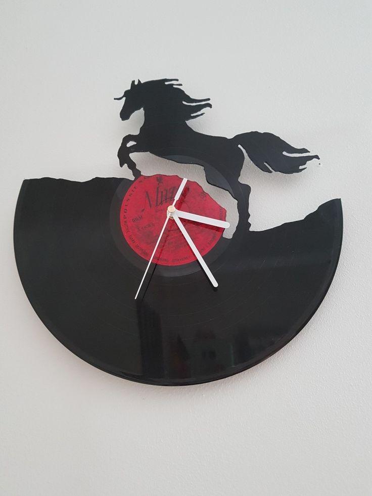 Vinyl clock horse, Ferrari