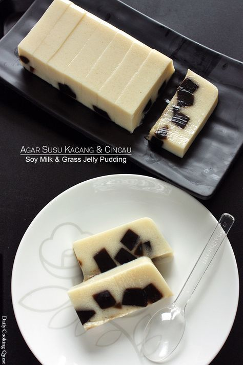 Agar Susu Kacang dan Cincau - Soy Milk and Grass Jelly Pudding