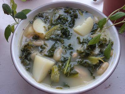 Sopa de col rizada