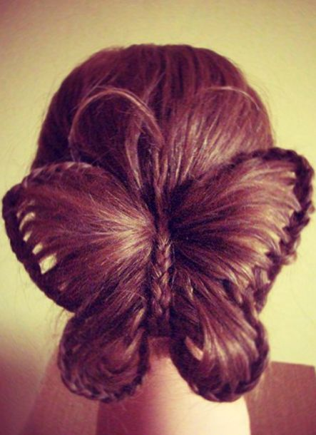 Holly! This is AWESOME! I would love to do it... But it just looks too hard for me! Lol it is very pretty