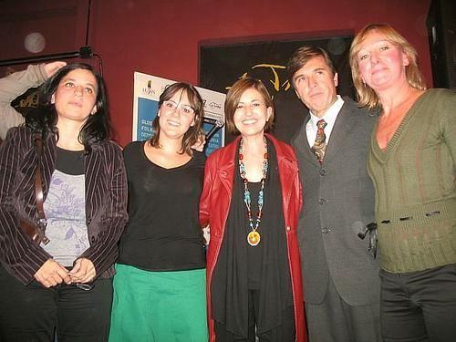 """HERMOSA : Bueno, seguimos con el especial <BR>y... hoy, esta lindisima foto, con gente que estaba alli en la charla... <BR>salió presiosa! <BR>bueno, hoy 0 inspiración <BR>[1][2][3][4][*][*] <BR>TENGO IMPORTANTES NOTICIAS, SOBRE AMAS DE CASA DESESPERADAS: <BR>—¿Cómo vivió la no continuidad de """"Amas de casas desesperadas""""?  <BR> <BR>—Es difícil de entender para alguien que no es del ambiente. El programa"""