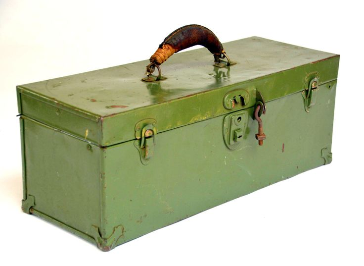 Vintage Industrial Green Steel Toolbox / Sewing / Fishing Tacklebox & Cantilever Drawer: KENNEDY Hardware Tool Storage Chest / Organizer Box by MerlesVintage on Etsy https://www.etsy.com/listing/291086277/vintage-industrial-green-steel-toolbox