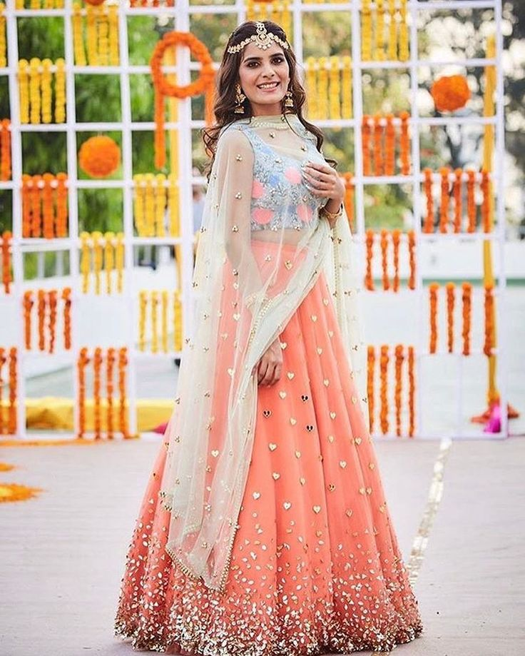 Soothing hues of the outfit and heart motifs. #mehendioutfit #bridalwaer #outfitinspiration #indainbride #indianwedding #shaadisaga
