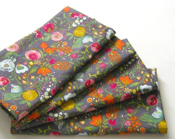 I LOVE!!  /// Cloth Napkins - Set of 4 - Pink Red Blue Gold Gray Flowers  - Wedding, Dinner, Table, Everyday