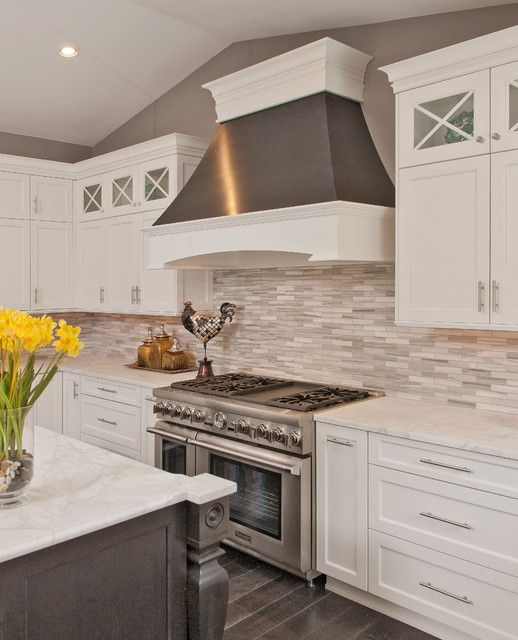Photo of a large contemporary u-shaped kitchen in Dc Metro with shaker cabinets, white cabinets, marble countertops, stone tile backsplash, stainless steel appliances and an island.