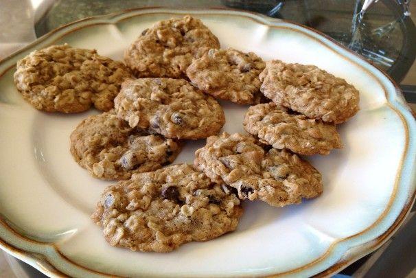 Vanishing oatmeal raisin chocolate chip cookies