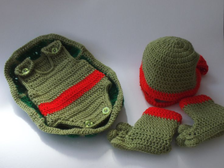 Pattern to Crochet Baby a Teenage Mutant Ninja Turtle Outfit (first size) by TeaCosyFolk on Etsy https://www.etsy.com/listing/188141584/pattern-to-crochet-baby-a-teenage-mutant
