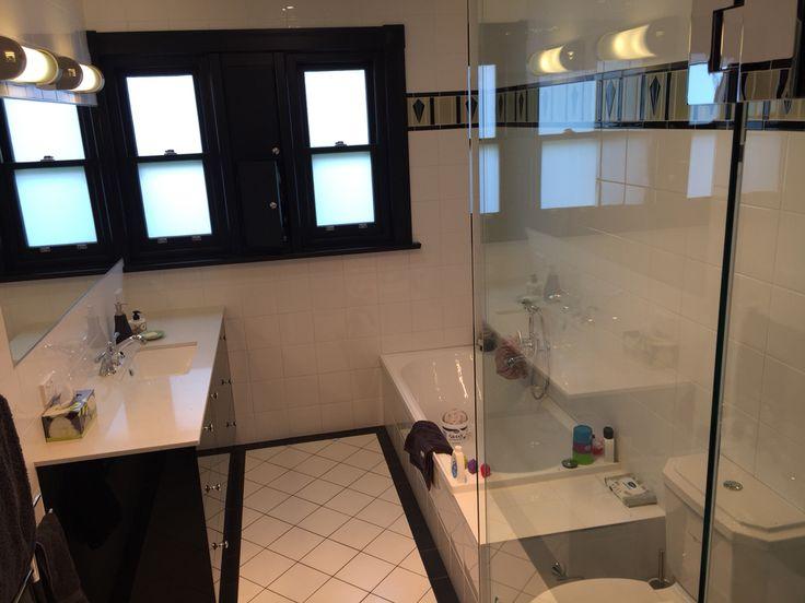 Deco main bathroom