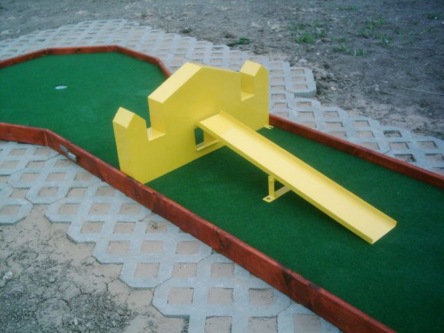 "Portable miniature golf courses for indoor and outdoor use | ""Mini Golf"" Ltd. - Miniature Golf Plans and Layouts"