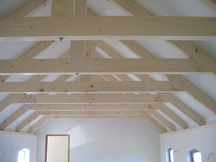 1000 images about exposed roof trusses on pinterest for Vaulted ceiling with exposed trusses