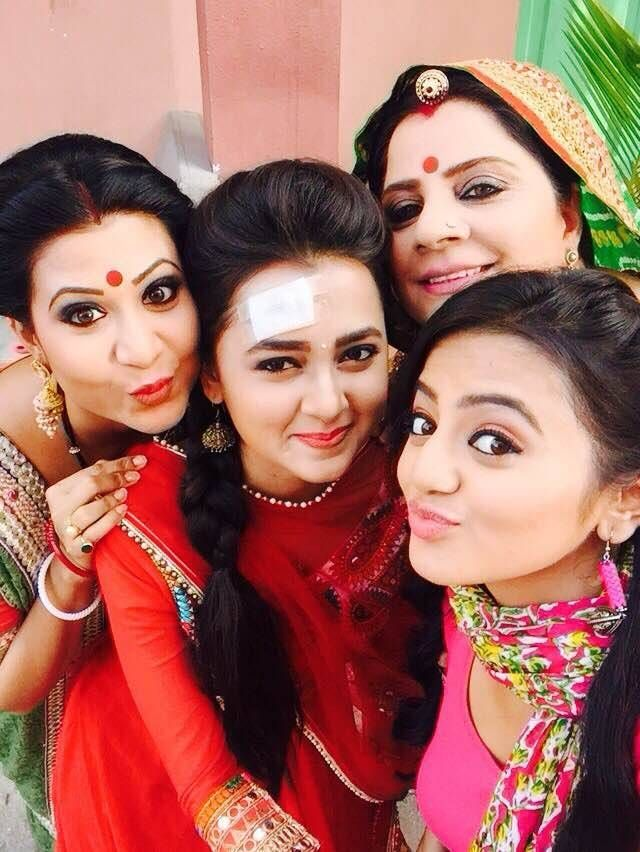 Swaragini tv serial cast images