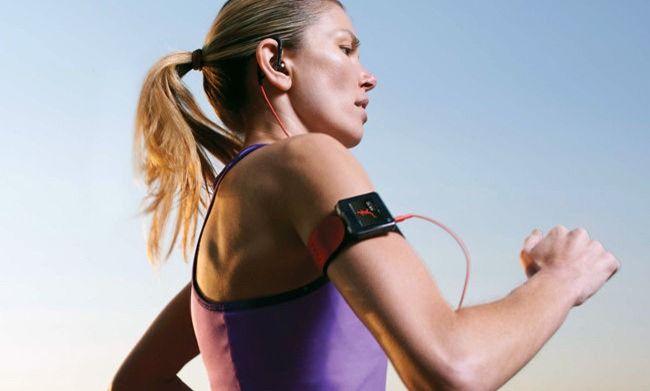 Контроль пульса на тренировке Для достижения поставленных целей: снижения веса, формирования мышечного рельефа, улучшения выносливости, повышения общей работоспособности, а также для укрепления организма и, в частности, сердца, необходимо грамотно подходить к вопросу подбора спортивной программы. Необходимо подобрать нужную интенсивность тренировки, которую лучше всего контролировать по одному из ведущих показателей работы сердца - частоте сердечных сокращений (ЧСС). Существует…