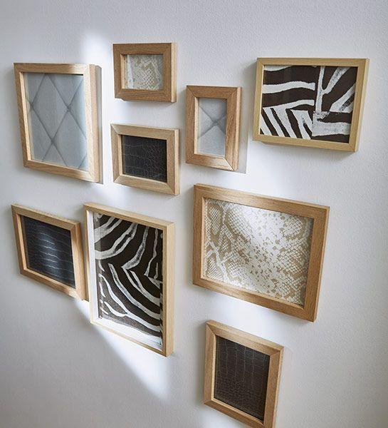 Effet de cadres Un mur de cadres original, dans le couloir, personnalisé et facile à réaliser ! Il suffit d'encadrer des chutes de papier peint et de les positionner de manière harmonieuse. http://www.castorama.fr/store/pages/idees-decoration-facile-papier-peint.html