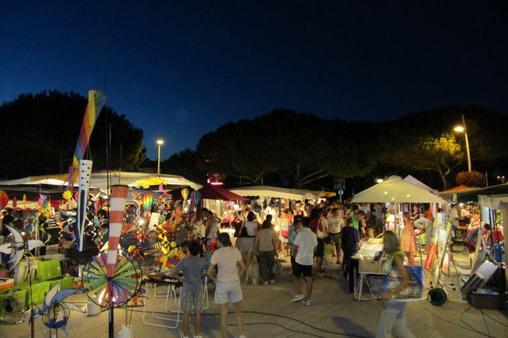 Marchés de nuit tous les mardis à la Grande Côte et tous les vendredis en centre-ville en juillet et août à Saint-Palais-sur-Mer