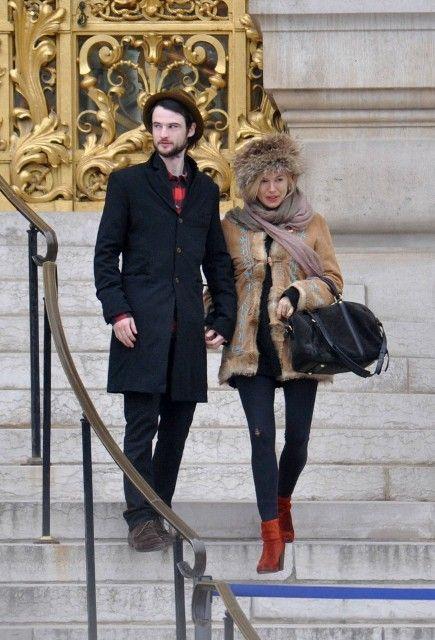 Lainey Gossip Entertainment Update|Sienna Miller pregnant with Tom Sturridge