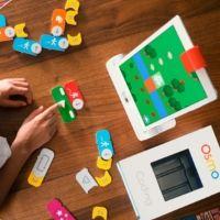 Osmo Coding: un gioco educativo che unisce reale e virtuale e permette di avvicinare i più piccoli alla programmazione nel modo più intuitivo possibile, giocando con dei blocchi colorati.