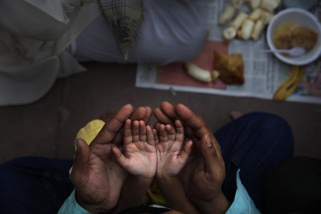 APTOPIX India Ramadan