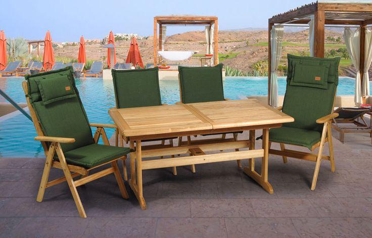 Στιβαρό παραλληλόγραμμο τραπέζι για μικρούς χώρους με δυνατότητα επέκτασης. Υλικό : τροπικό ξύλο Garuga Διαστάσεις: 120~170 Χ 75 Χ Υ73 cm