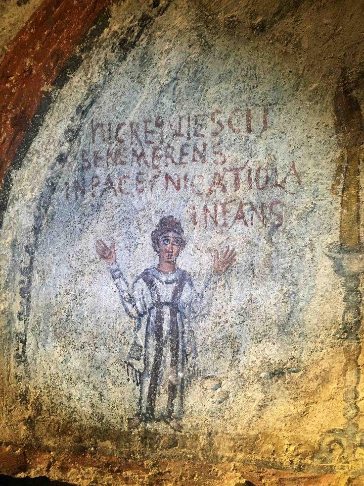Catacombe di San Gennaro, Napoli. L'affresco dell'inizio del VI secolo. La piccola Nicatiola
