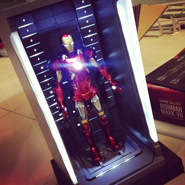play imagination iron man MK7 and hall of fame