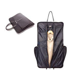 Porta trajes de poliester plegable con asas para transportar. Dos bolsillos exteriores, anclaje para percha en el interior y cierre de crema...