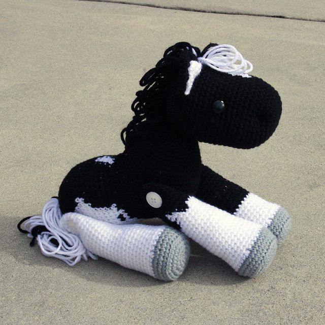 Free Crochet Pattern For Horse : 1000+ ideas about Crochet Horse on Pinterest Crocheting ...