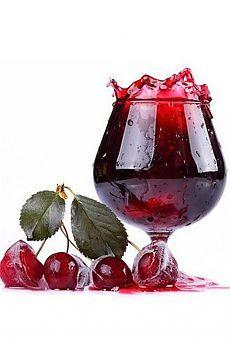 """Ликер вишневый """"Шикарный"""" - «обречен» на успех!. Вишневый ликер - рецепт простого, но отличного напитка с ярким вишневым вкусом, чудесным ароматом, сладкиий, пьянящий и будоражащий."""