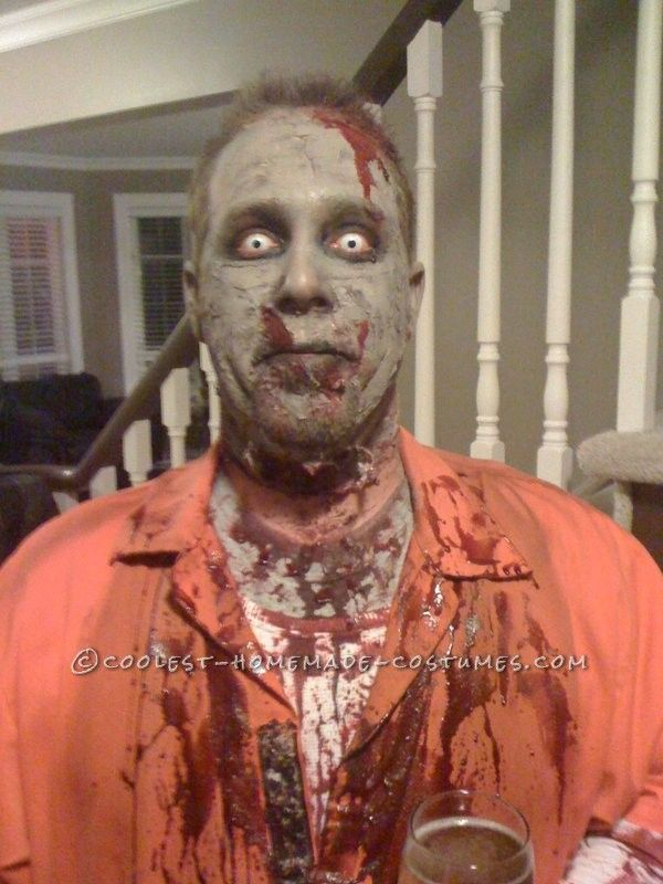 Scary Homemade Zombie Costume... This website is the Pinterest of costumes