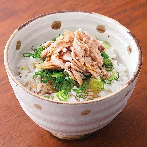 超簡単でおいしい♪シーチキンご飯のアレンジレシピ10選 - macaroni ねぎシーチキンご飯