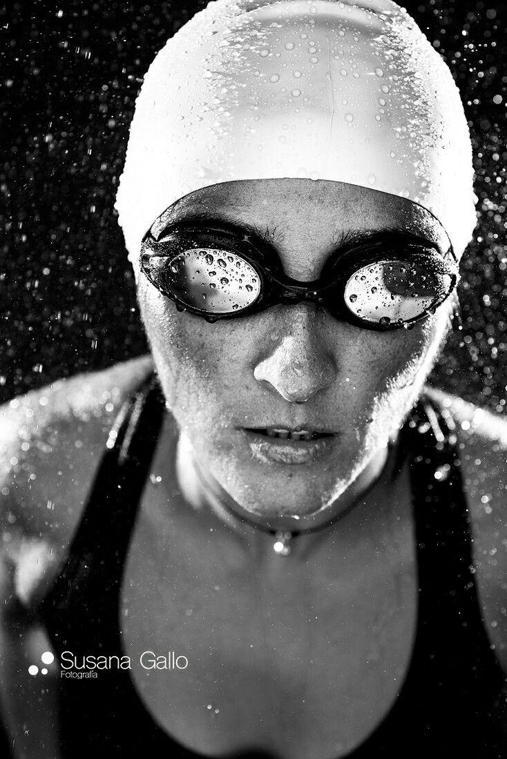 Mujer natacion fotografia