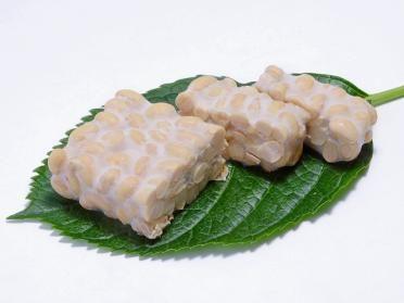 【株式会社登喜和食品】国産大豆100%使用のこだわりの納豆職人・登喜和食品が健康、安心、安全のおいしい納豆と生てんぺ(テンペ)を東京都府中市からお届けします。