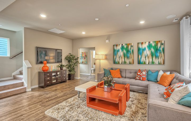 We like the orange and BLUE in this living room, do YOU?!