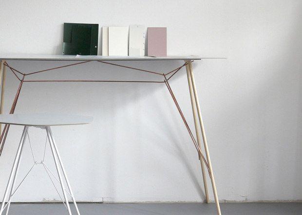 """Arredamento di design, Zanotta presenta le """"mensole con gambe"""" di Frank Rettenbacher"""