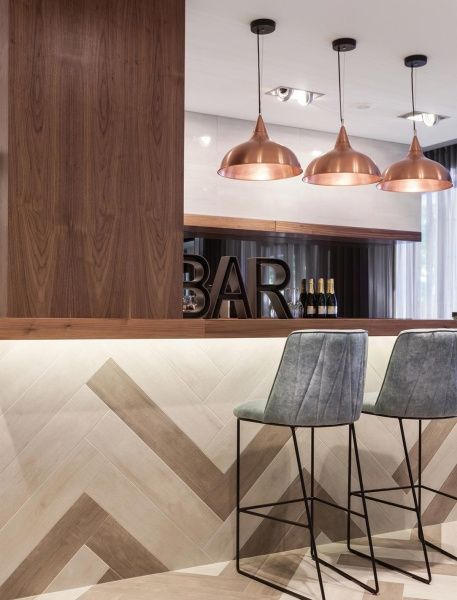 7 Comfortable Bar Chairs For Contract Projects | #interiordesign #barchairs #modernbarchairs