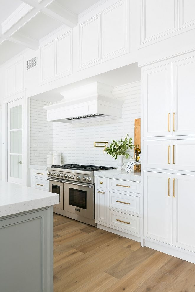 Kitchen Upper Cabinets Without Glass Flanking Hood And Over Hood To Maximize Storage K Kitchen Island Chairs Modern Upper Kitchen Cabinets Kitchen Inspirations