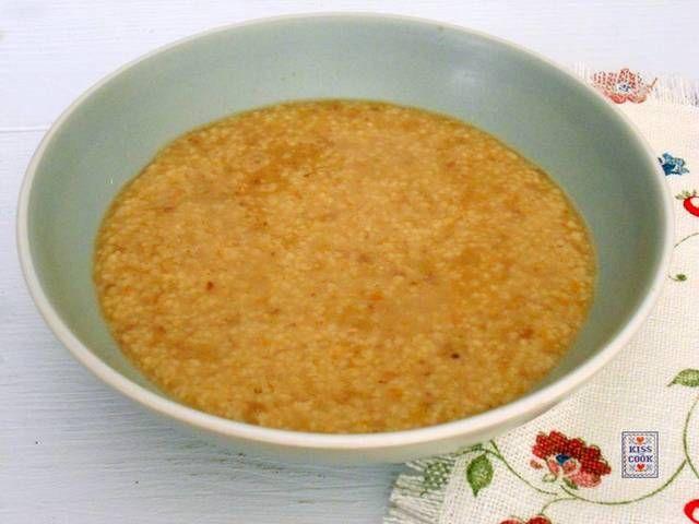 Passato di fagioli con il cous cous, buono, facile e un po' insolito. Se usate i fagioli in scatola i tempi si dimezzano